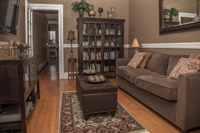 929 Garden St #4R - living room
