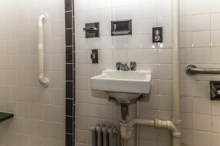 366 Ogden Ave - Bathroom
