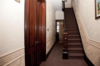 1114 Bloomfield St - hall
