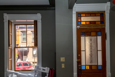 161 10th St - stained glass