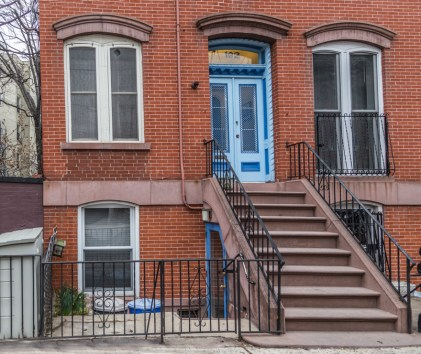 162 9th St - front