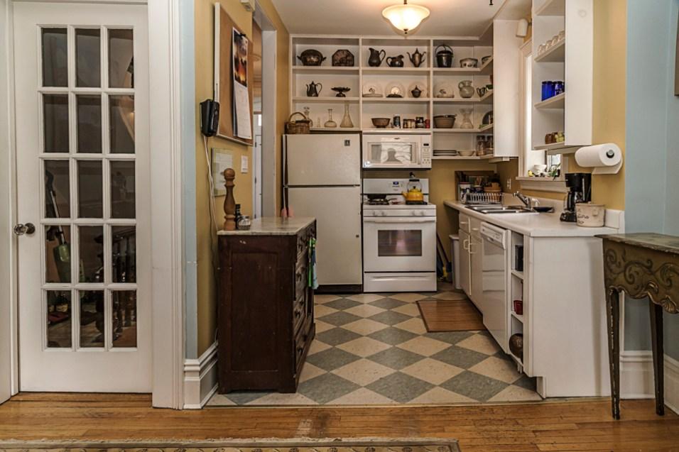 162 9th St - kitchen