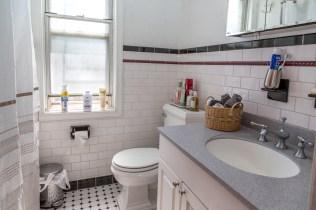 325 Park Ave - bathroom