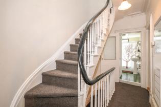 533 Park Ave - 2nd Floor Hallway