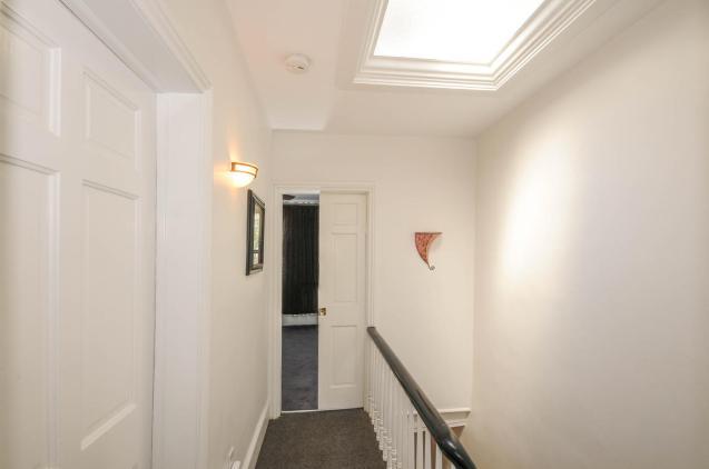 533 Park Ave - 3rd Floor Hallway