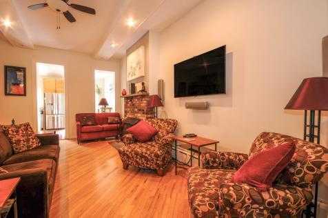 533 Park Ave - Living Room 4
