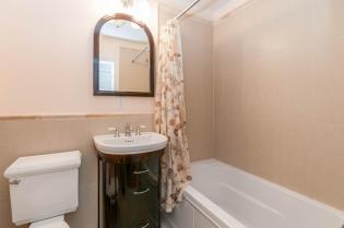 1111 Bloomfield St Hoboken NJ-large-022-22-Bathroom-1500x997-72dpi