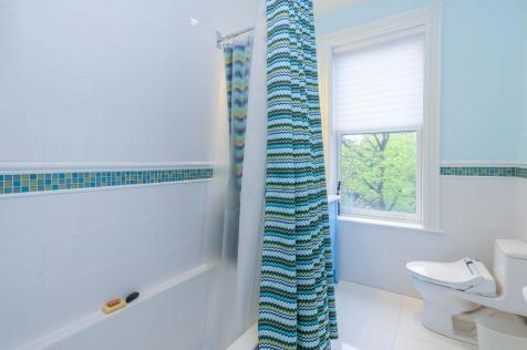 161 13th St - Bathroom