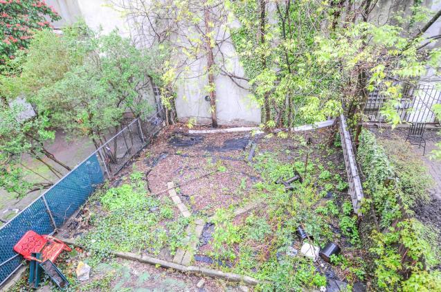 359 Ogden Ave - yard