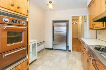 722 Hudson St - kitchen 2
