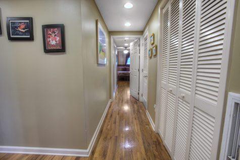 920 Jefferson St #304 - hall