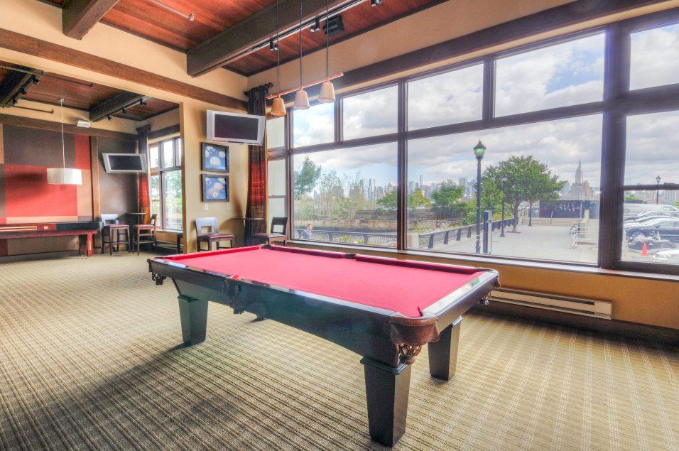 1500 Washington St 7M billiards