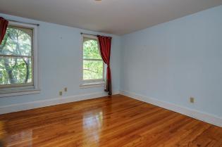 526 Bloomfield St apt bedroom 2