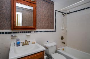 526 Bloomfield St bath 2