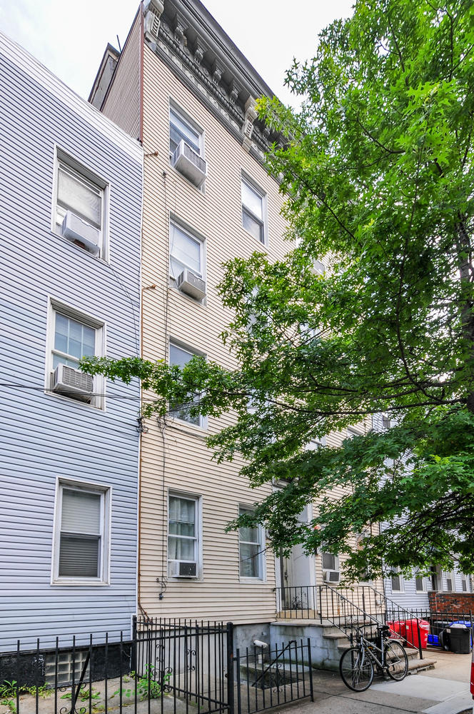309 Monroe St #3 - front tall 1