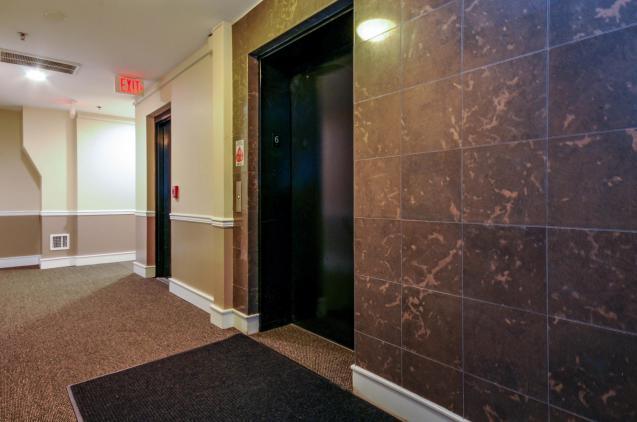 904 Jefferson St 6G elevator