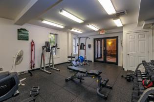 904 Jefferson St 6G gym 3