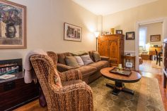 907 Washington St - 03 Apartment living room