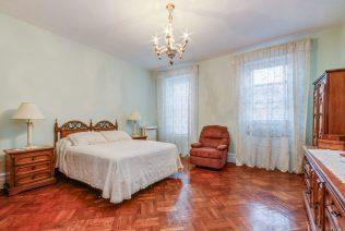 907 Washington St - 10 Duplex master bedroom