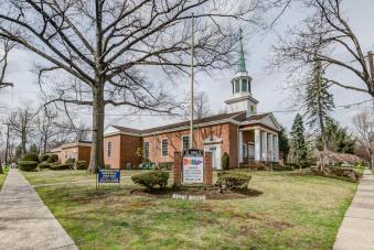 61 Church St Teaneck NJ 07666-large-019-28-DSC 7331 2 3-1490x1000-72dpi