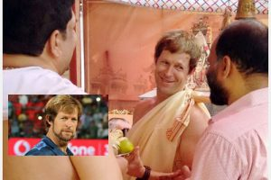 jonty-rhodes-performs-puja-for-daughter-india (4)