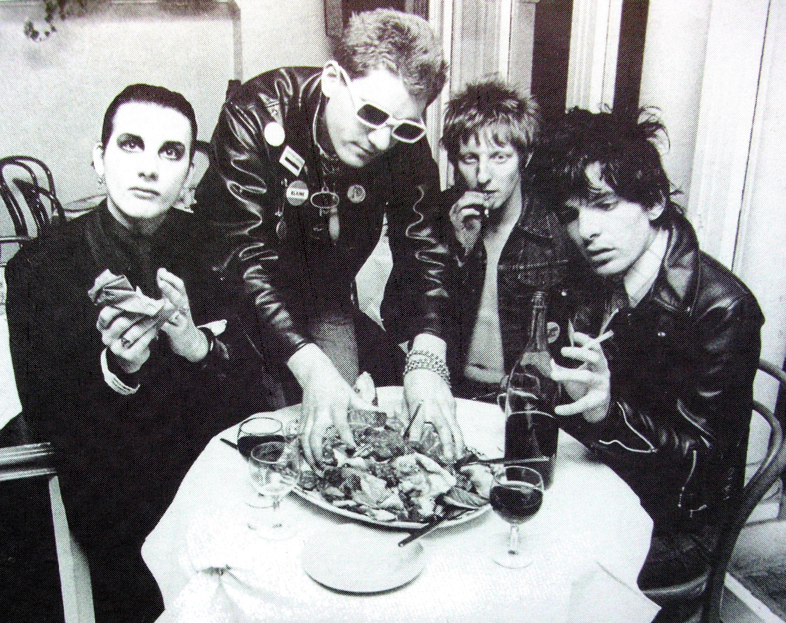 Damned Sinister Salad Musikals Weblog
