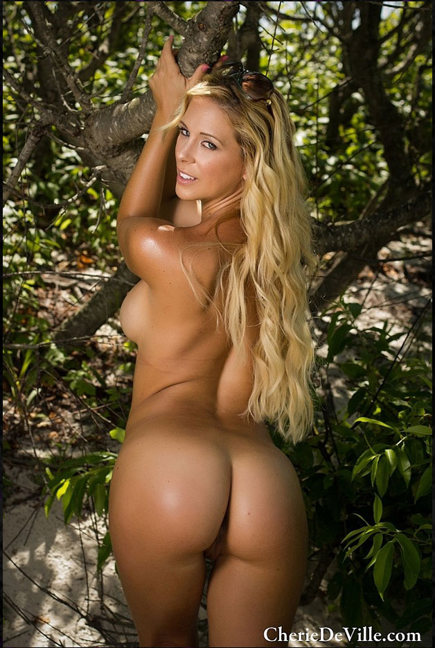 Request custom videos with Cherie Deville