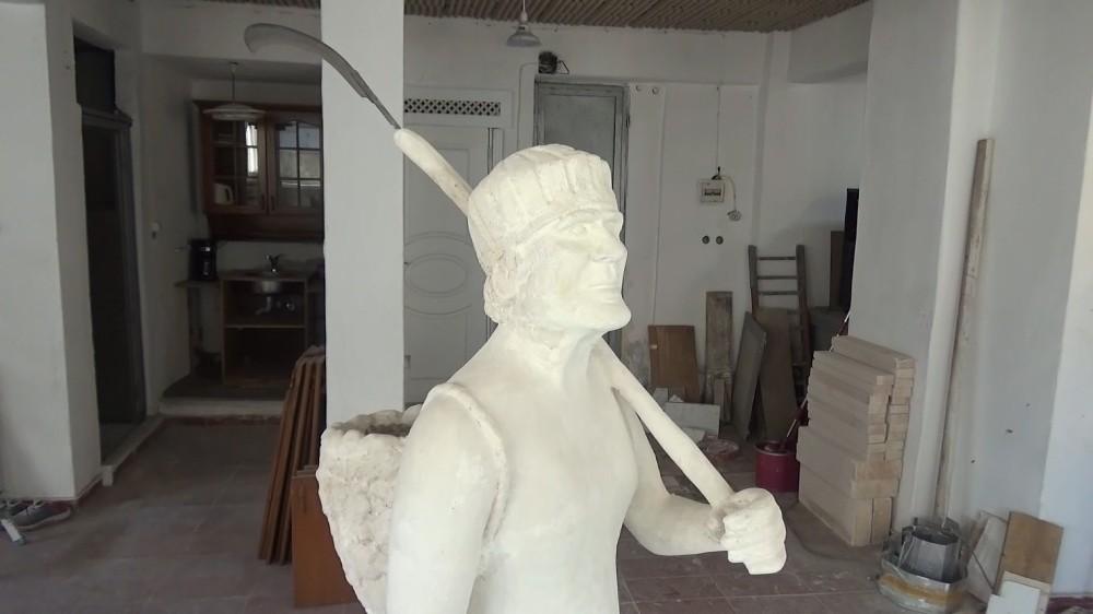 Sinop'un önemli şahsiyetlerinin heykellerini yapıyorlar