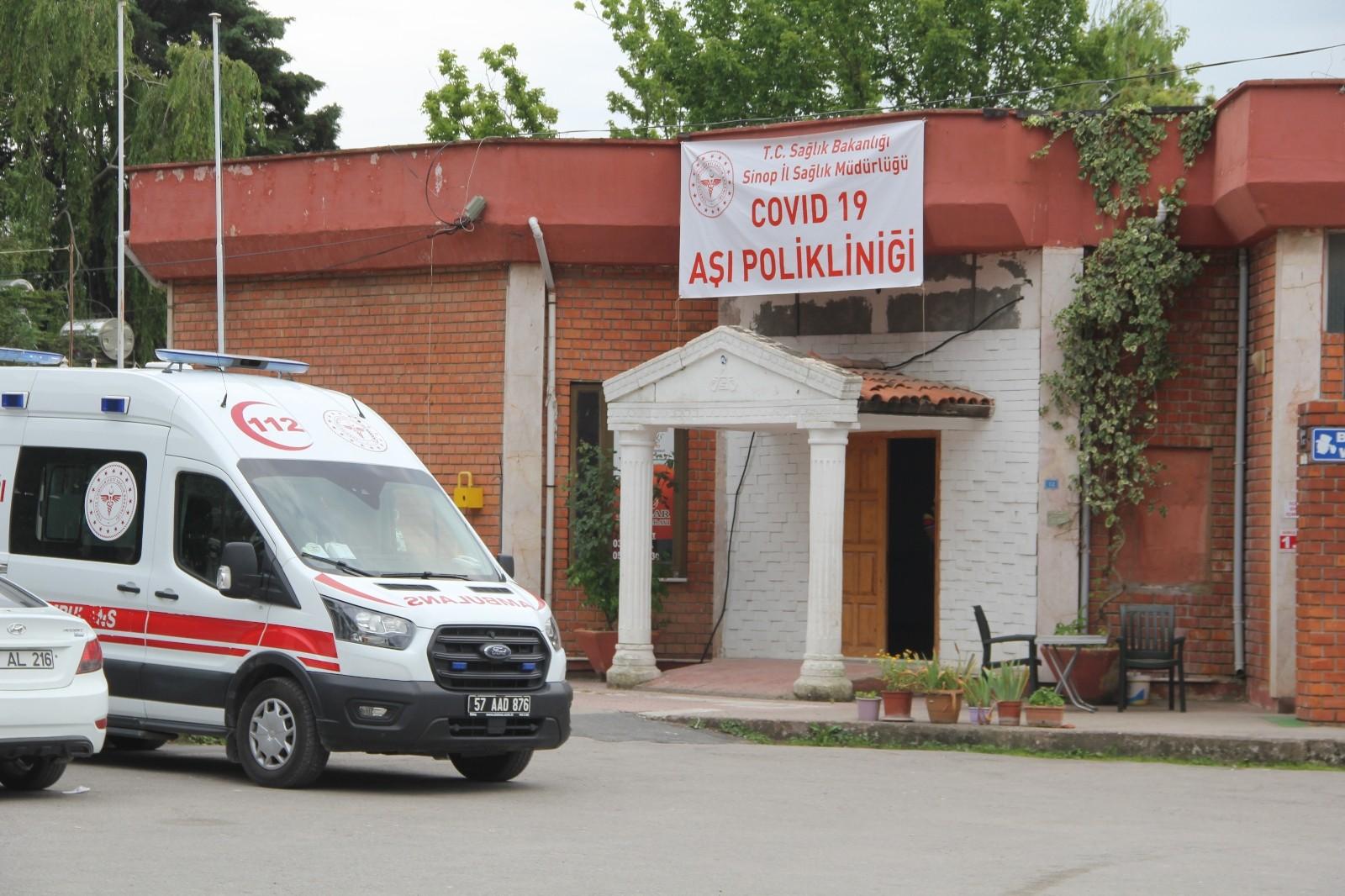 Sinop'ta düğün salonu randevusuz aşı merkezi oldu