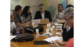 Governo estende prazo para grevistas aceitarem proposta