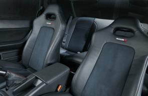 日産GTRのシート画像