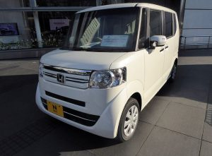 640px-Honda_N-BOX_G・L_Package_(JF1)_front