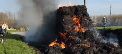2007-03-12-tractorbrand-oudenaken.jpg
