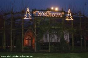 2008-12-08-kerstverlichting_sint-pieters-leeuw_5