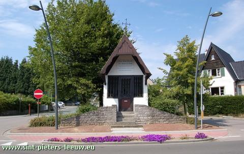 2009-08-11-kapel-postweg-Vlezenbeek