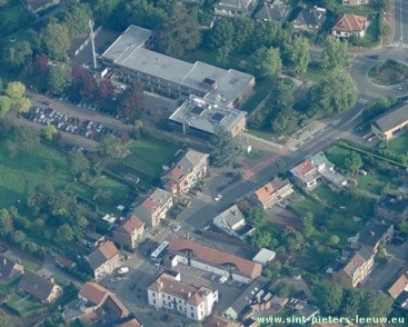 luchtfoto_gemeentehuis