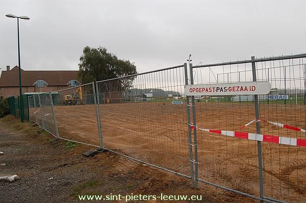 2013-10-09-aanleg-veldje_01
