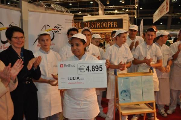 2013-10-20-cheque-voor-lucia_02
