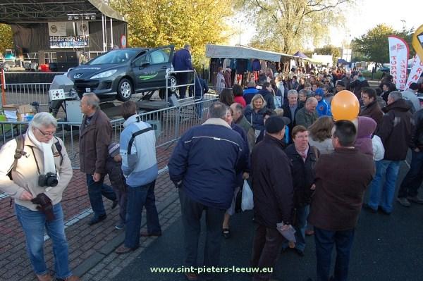 2013-11-11-jaarmarkt_Sint-Pieters-Leeuw (43)
