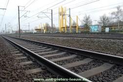 2013-12-14-Station-Ruisbroek_trein_NMBS_spoor_01