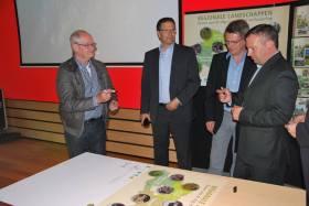 2014-04-29-ondertekening_provincie_RLPZ-03