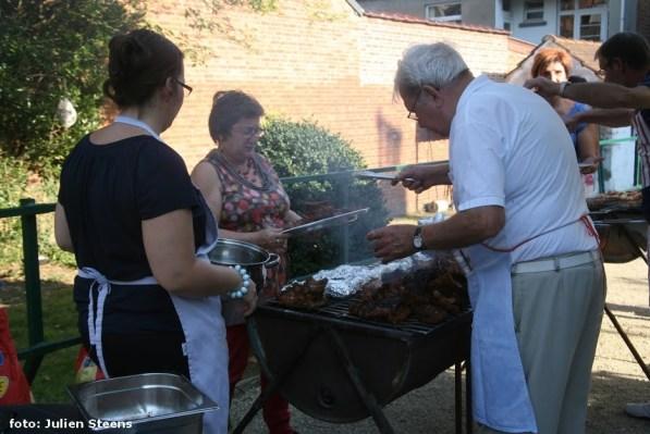 2014-09-03-barbecue-3dienstencentra-in-Negenhof_04