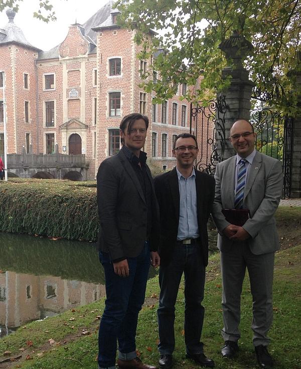 van L naar R: Kris Dubois, Frank Roobaert en Jurgen Goeman, tesamen het leiderschapsteam van BNI Halle Zennevallei.
