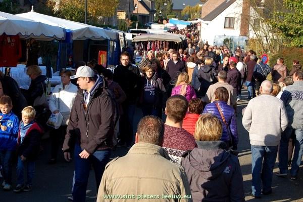 2014-11-11-jaarmarkt_Sint-Pieters-Leeuw (105)