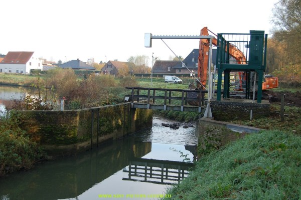 2014-11-21-werken-Zuunbeek-Spaarbekken-Volsem