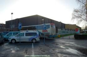 2014-12-10-Wildersportcomplex_voorzijde-met-schoolbus