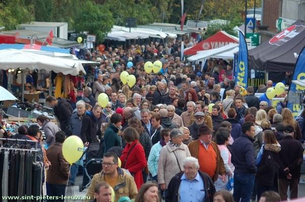 2015-11-11-jaarmarkt_Sint-Pieters-Leeuw (85)