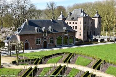 2016-04-11-De-Koetsier_03_Colomakasteel_Sint-Pieters-Leeuw