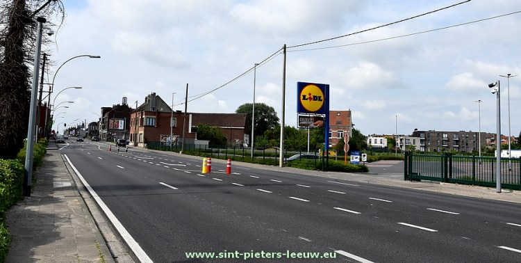 2018-05-10-ANPR-camera_trajectcontrole_Bergensesteenweg_Sint-Pieters-Leeuw