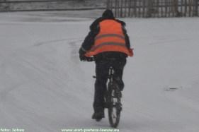 2019-01-22-sneeuw_04_fietser.JPG